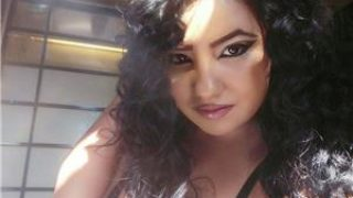 Femei Bucuresti: bruneta miniona