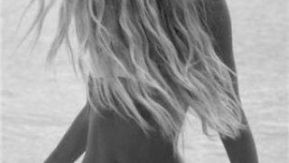 Femei Bucuresti: BLONDA SEXY la tine sau la hotel