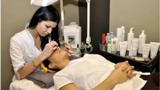 Femei Bucuresti: Cosmetica si masaj